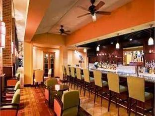 фото Hilton Hotel 761900976