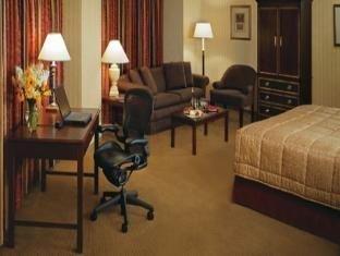 фото Wyndham Hotel 761927724