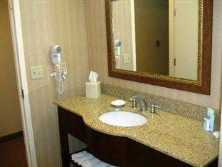 фото Hampton Inn & Suites Largo 762076683