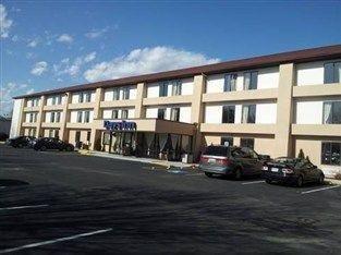 фото Waldorf-Days Inn Hotel 762281010