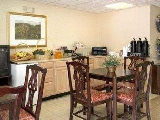 фото Waldorf-Days Inn Hotel 762281013