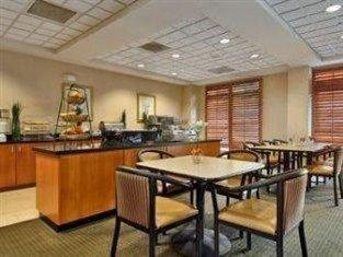 фото Wingate By Wyndham Charlotte / I-77 South Hotel 762302580