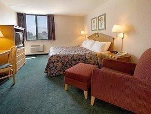 фото Days Inn Plymouth Hotel 762304299