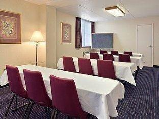 фото Days Inn Plymouth Hotel 762304301