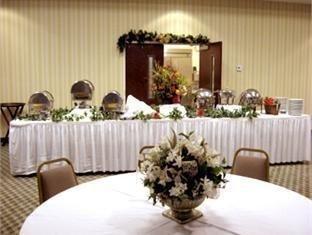 фото Best Western Crossroads Inn Hotel 762323799