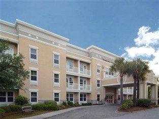 фото Comfort Suites Mount Pleasant Hotel 762327012