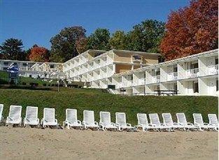 фото Red Carpet Inn Lake George Hotel 762348570