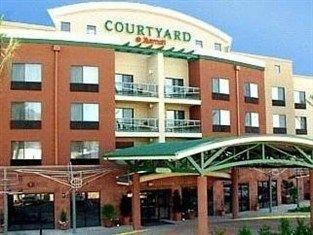 фото Courtyard By Marriott Burbank Airport Hotel 762372484