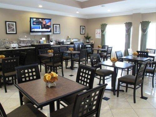 фото La Quinta Inn & Suites Pearland 762387355