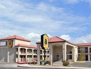 фото Super 8 Motel- Hesperia Victorville Area 762431489