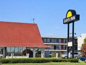 фото Days Inn St. Louis Airport 762433036