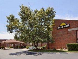 фото Days Inn Morrisville-Raleigh-Research 762433049
