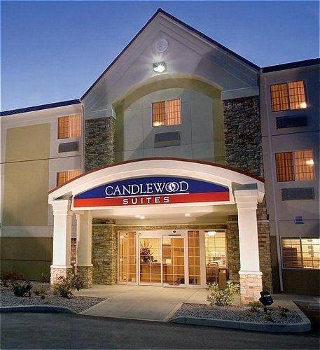 фото Candlewood Suites MILWAUKEE N-BROWN DEER MEQUON 762437163