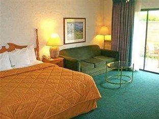 фото Comfort Inn Near Channel Islands 762552363