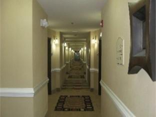 фото Comfort Suites Brunswick 762693458