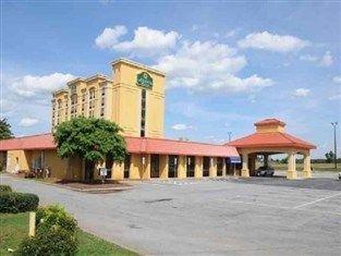 фото La Quinta Inn and Suites Conover 762904191