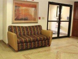 фото Red Roof Inn and Suites Savannah Gateway 762920556