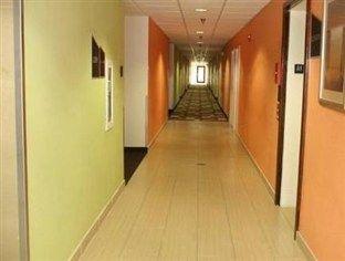 фото Red Roof Inn and Suites Savannah Gateway 762920558