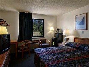 фото Super 8 Motel  Douglas 762944347