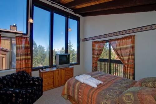 фото Accommodation Tahoe (Lake Village) 763201788