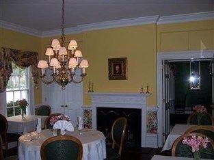 фото Ashford Inn Bed And Breakfast 763490112