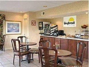 фото Days Inn Florence Lucas Street 763516425