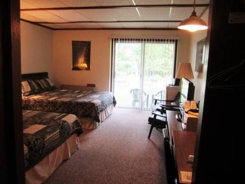 фото Bayside Motor Lodge- Eagle River 768708259