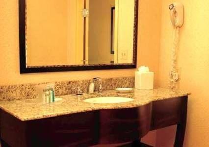фото Hampton Inn & Suites Madison Downtown 768708261