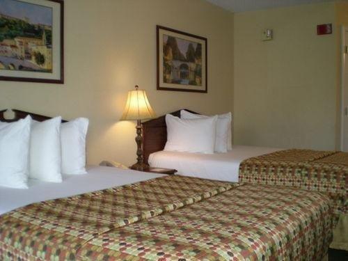 фото Baymont Inn and Suites Waycross, GA 769444223