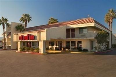 фото Red Roof Inn Palm Springs - Thousand Palms Hotel 769472531