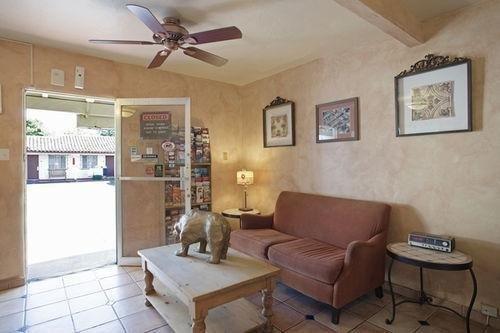 фото America`s Best Value Inn- Golden Bear Inn 769475112