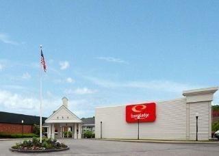 фото Econo Lodge Inn & Suites 769489639
