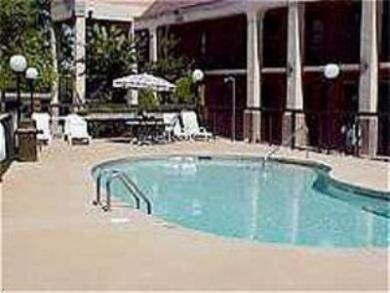 фото Holiday Inn Express Charlotte- 769577893