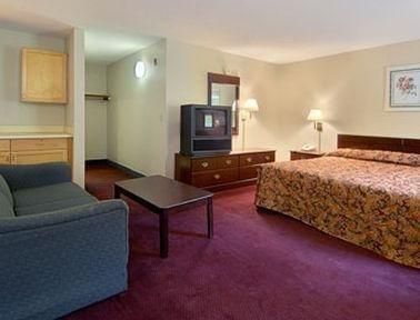 фото Super 8 Motel - Fayetteville 769609917