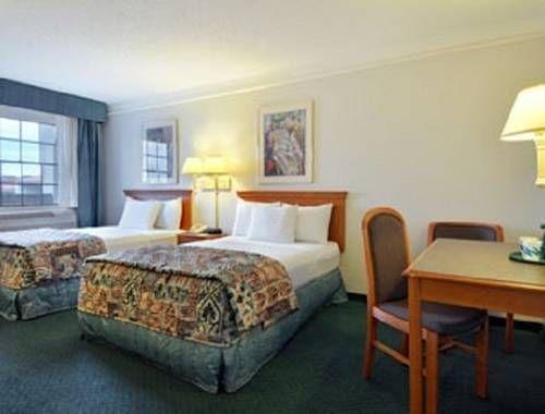 фото Baymont Inn & Suites San Antonio/Wurzbach 779210181