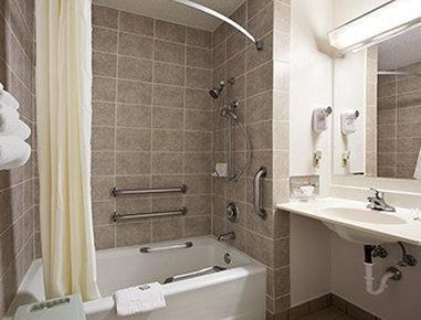 фото Super 8 Motel - Peru 781961907