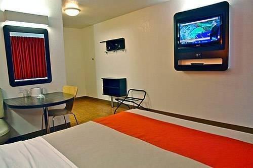 фото Motel 6 Carson 785579528