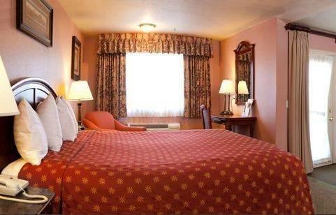 фото Mariah Country Inn & Suites 785589064