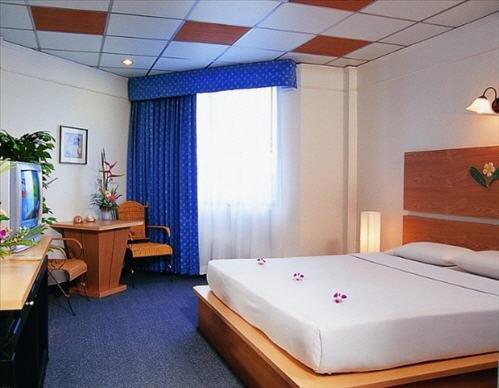 фото Flipper Lodge Hotel 785611308