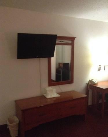 фото American Inn & Suites 786439656