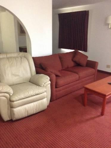 фото American Inn & Suites 786439659
