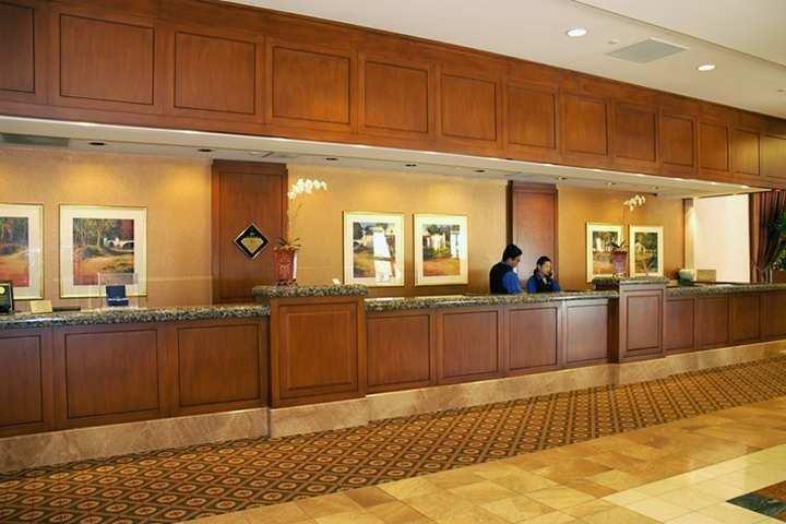 фото Hilton Los Angeles North-Glendale & Executive Meeting Center 786920125