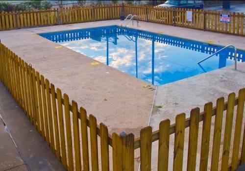 фото Easy Rest Inn 791472441