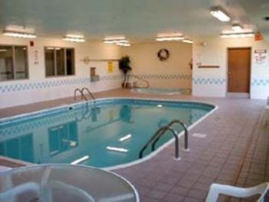 фото Econo Lodge & Suites 796038930