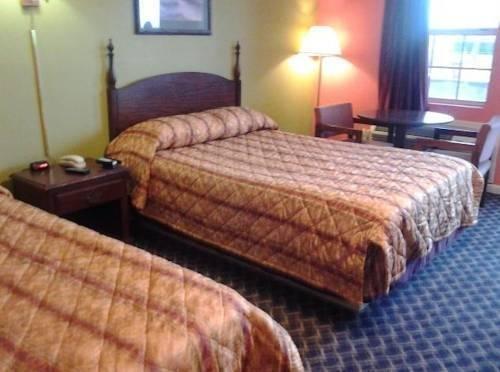 фото Royal Inn & Suites 796985913