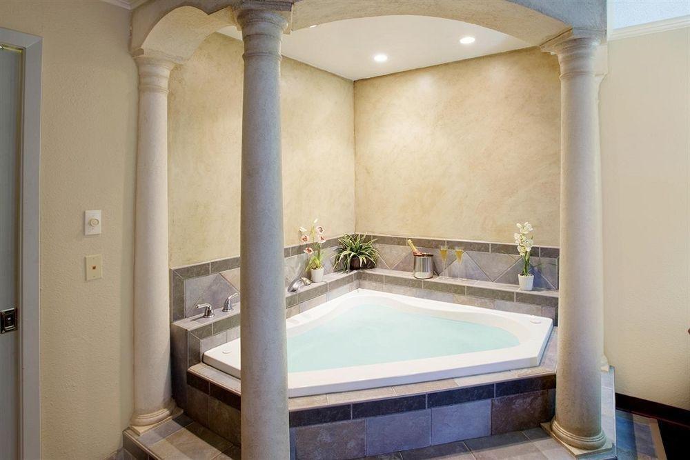 фото Americas Best Value Inn Lubbock East 798676342
