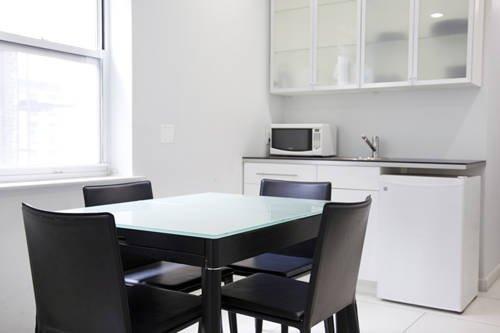 фото United Nations Apartment Hotel 802756422