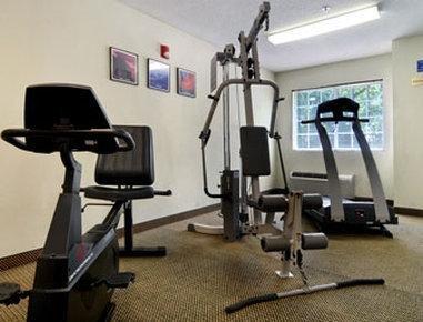 фото Microtel Inn & Suites by Wyndham Stockbridge 806011441