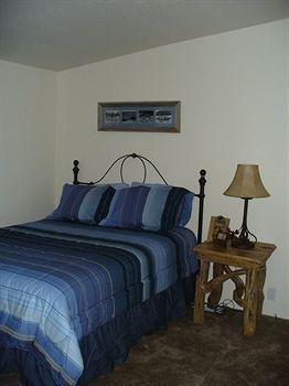фото Yellowstone Victorian Inn 806986350