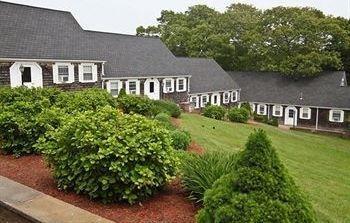 фото The Coonamessett Inn 806993327